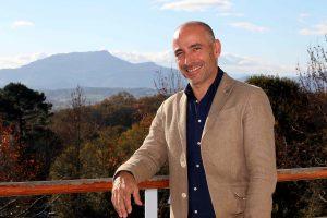 BIDART LE 30 NOVEMBRE 2016 Le directeur de l'entreprise SIG IMAGE Gilles Pichon , qui propose une gamme de logiciels au service des réseaux , des entreprises TP et des collectivités
